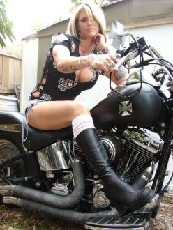Motorcycles,Lady Bikers, Men bikers, Harley Davidson,: Motorcycles Bikers, Biker Chick, Motorcycles Girls, Biker Girl, Hot Bike, Lady Biker