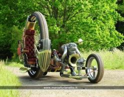 Now for something completely different. Tilt the mono wheel 30 to 40 degrees over the sculpted person and make that sculpture the riding position....  Probably wouldn't work but it'd look awesome: Sidecar Motorcycle, Steampunk Bike, Steampunk Moto
