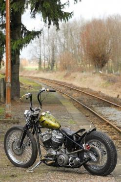 Vintage Bobber  **VIEW More Motorcycle Photos - http://blog.lightningcustoms.com/motorcycle-pictures   www.LightningCustoms.com: Harley,  All-Terrain Bike, Mountain Bike, Bobbers Choppers