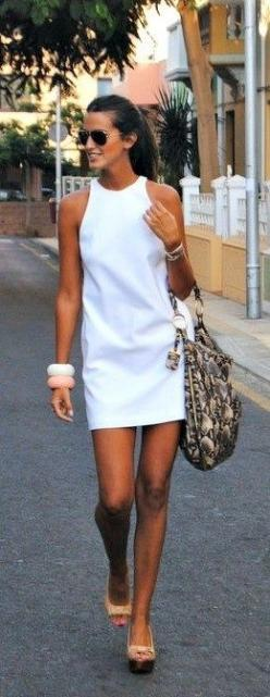 Wear a solid white dress to really play off your awesome summer tan! #bigbangles: White Shift Dress, Summer White, Summer Dresse, Little White Dress, Summer Style, Street Style, White Summer Dress, Spring Summer, Shift Dresses