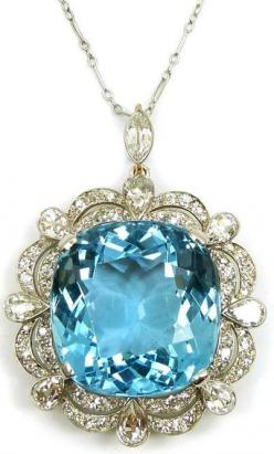 Early 20th century single stone aquamarine and diamond cluster pendant/brooch, c.1920 - 35 Pieces Of Gorgeous Jewelery - Style Estate -