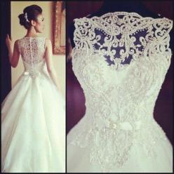 Mom, could we maybe add some straps to the back of it to make it look like this to add support for my tatas?: Boho Bride, Bohemian Wedding Dress, Chic Wedding Dress, Alternative Wedding Dress, Beautiful Wedding Dress, Flowy Wedding Dress, Wedding Presents