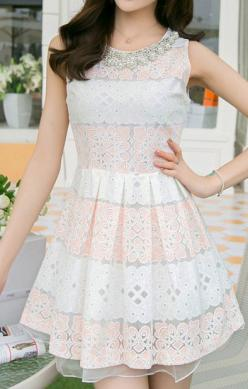 Pearl Decorated Neckline Sleeveless Lace Splicing Chiffon Dress