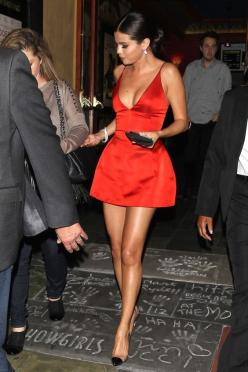 Selena looks stunning in the little red Dior dress: Fashion, Selenagomez, Style, Dresses, Little Red Dress, Selena Gomez Dress, Dior Dress, Short Red Dress