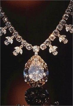 Victoria Transvaal Diamond Necklace: Museum of Natural History, Washington D.C. 67.89 carats. Look for flashes of color in the 116 facets of this pear shaped, champagne colored diamond. Cut from a 240 carat crystal, it is suspended from a chain of 108 dia