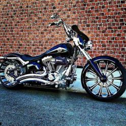 Breakout--- HEAVILY modified....  sweet~: Harley Breakout Custom, Breakout Pictures, Gear Motorcycle, Harley Davidson Breakout, Cars Bikes, Bike S, Motorcycles Cars, Bikes Bikes