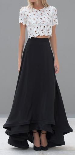 .Fashion Ideas for Long Skirt, see here http://pinmakeuptips.com/top-fashion-ideas-for-the-long-long-skirt/: Lace Crop Top, Elegant Long Skirt, Crop Top Dress, Black Maxi Skirt Outfit Idea, Croptop, White Top, Long Skirt Outfit