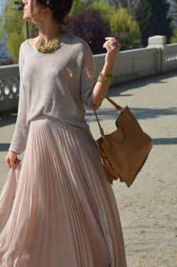 Image Via: Matte & Sequins: Winter Maxi, Fashion Style, Long Skirts, Neutral Tone, Pleated Maxi Skirts, Pleated Skirts, Flowy Skirt