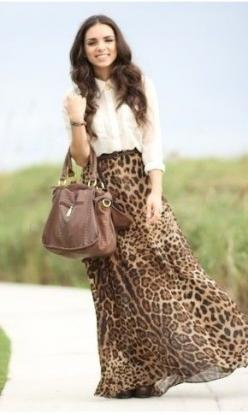 Leopard maxi skirt probably wouldn't wear it but love how it's put together : Printed Skirts, Faldas Mimi, Leopard Print, Leopard Skirt, Long Skirts, Flowy Maxiskirt, Faldas Animal Print, Leopard Maxi Skirts, Animal Prints