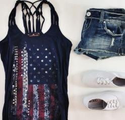 Like the shirt but I would probably pair it with light wash jeans and white vans or strappy sandals: Dream Closet, July Outfit, American Flag, Country Summer Outfit, Summer Outfits, 4Th Of July, July 4Th, Merica Tank