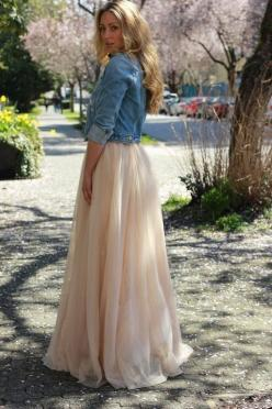 maxi's and cropped jean jacket - one of my seniors NEEDS to wear something like this!: Maxi Dresses, Black Maxi Skirts, Denim Jackets, Jean Jackets, Cloths Dresses Skirts, Maxidress Summer, Maxi Dress And Jean Jacket