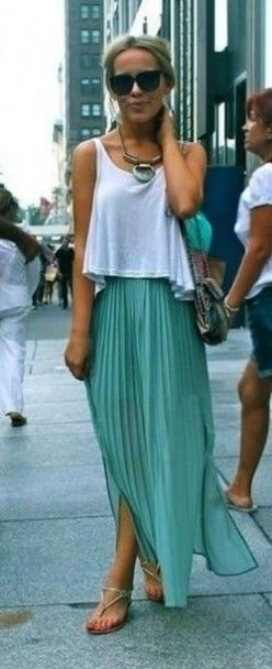 mint maxi skirt: Pleated Maxi Skirt, Summer Outfit, Summer Style, Spring Summer, Maxiskirt, Crop Top, Maxi Skirts