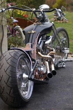 Nice work.  Beautiful tank... Become your own Web Host and keep 100% of the profits in your pocket!... http://biguseof.gogvo.com: Harley Davidson, Ass Bike, Custom Chopper, Cars Motorcycles, Motorbike, Custom Bike, Cars Bikes