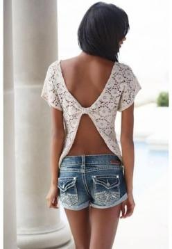 open back + lace loveeeee except cute things like this are only expected for girls with smaller Chesterton can get away with no bras... I have small waist but big chest so ill find a bra to pull this off :): Lace Tops, Fashion Style, Dream Closet, Open Ba