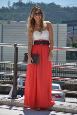 Really like this look {bandeau top under long skirt, hidden w/wide belt: simple, high-impact & most importantly it's comfy!}: Summer Dress, Summer Outfit