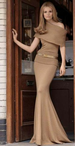 So elegant....LOVE THIS !!: Burberry Classy, Fashion Burberry, Fashion Style, Gorgeous Burberry, Sweater Dresses, Long Skirts, Timeless Elegant, Burberry Perfection, Nude Colors