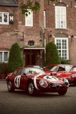 So, my wife thinks that a Datsun 240 is ugly, and I guess that makes this Alfa Romeo TZ2 ugly too?: Sports Cars, Alfaromeo Italiandesign, Vintage Cars, Tz2 Classiccars, Alpha Alfaromeo, Cars Black, Vintage Photo