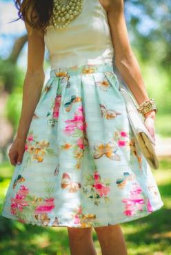 street style - floral skirt: Floral Skirts, Garden Party Dresses, Floral Outfits, Street Style, Summer Garden Party Outfit, Garden Parties, Cute Skirts