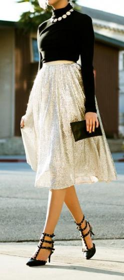 #street #style long-sleeve crop top + sparkle midi skirt @wachabuy: Gold Sequin Skirt Outfit, Gold Skirt, Modest Classy Outfits, Nye Outfit Sexy Classy, Sequins Skirt Outfit, Chic Holiday Outfits, Glitter Outfit