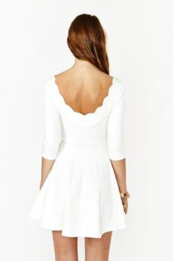 love this, but the huge portrait tattoo of my parents on my left shoulder wouldn't work with this dress. super cute though!