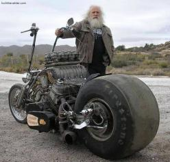 Coulda had a V8 between your legs? with what looks like a turbo on top... wow... No kickstand needed.: Harley Davidson, Cars Motorcycles, Motorbike, Cars Bikes, Awesome Bike