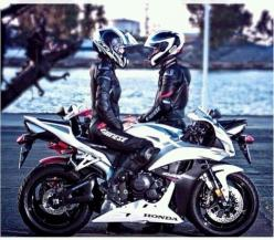 Couples ride together, stay together...unless you ride faster than your significant other =P: Motorcycle Couples, Motorcycles Bikers, Couples Motorbike, Motorbike Couple, Biker Couple, Sportbikes Motorcycles, Forever Motorcycles, Parejas En Moto
