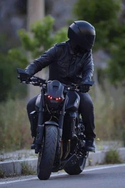 Insane Yamaha - Originally posted by Fédération Française des Riders: Streetfighter Motorcycle, Yamaha Motorcycles, Cars Motorcycles, Biker, Matte Black Motorcycle