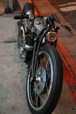 not really into the whole cafe racer thing, but this is just a sweet looking bike: Custom Motorcycles, Easy Rider, Motorcycle Post, Gratuitous Motorcycle, Custom Bikes, Cafe Racer, Motorcycles Photo