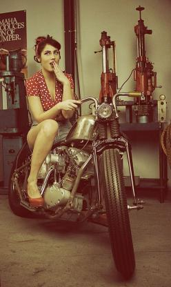 Pin-up photoshoot   uncomplicatedphotography #chicasmoteras #motorcyclesgirls   caferacerpasion.com: Harley, Motorcycle Chick, Motorcycle Pinup, Custom Motorcycles, Motorcycle Girls, Bike Girls, Motorcycles Pin, Vintage Motorcycle