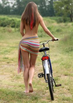 "redjeep: "" Here ya go Mike (mikenonsense). I found you a riding partner… =} ~redjeep "": Sexy Bike, Nice Bike, Hot Girls, Sexy Women, Bike Rides, Sexy Girl, Bicycle Girl"