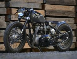 Triumph motorcycles are definitely one of the coolest looking motorcycle company!: Triumph Bobber, Cars Motorcycles, Triumph Motorcycles, Cafe Racer, Bikes Cars, Vintage Motorcycle