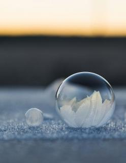 Frozen in a Bubble by Angela Kelly | iGNANT.de