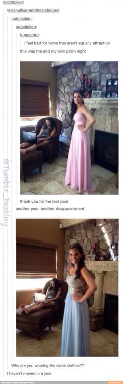 I haven't moved in a year omg love her I love how her clothes haven't changed but her computer has.: Sister Humor, Gamer Girls, Dress, Hilarious Humor, Twins Humor, Haven T Moved, Tumblr Girls Funny, Funny Twins
