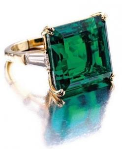This is my birth stone, Beautiful! Emerald and Diamond Ring