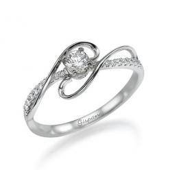A fantastic Engagement and Bridal Ring: You heard it right. The ring's made for engagement and wedding purposes. The luxurious look and lavish