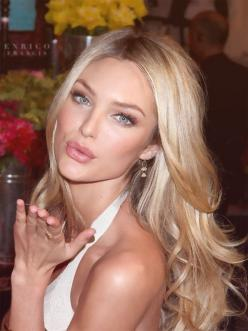 make up, hair, skin, everything about her is gorg....life as a victoria secret model <3: Weddingmakeup, Wedding Hair, Hair Colors, Blonde Hair, Candice Swanepoel, Hairs, Blondes, Hair Makeup, Wedding Makeup