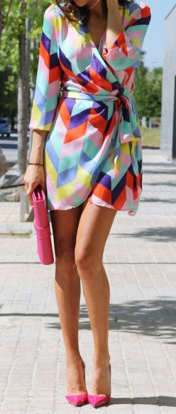 Multi color chevron dress with hot pink heels and clutch.: Wrap Dresses, Street Style, Spring Summer, Pink Heels, Color Chevron, Chevron Dress