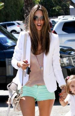 SUPER HOT. I want this outfit for spring. Mint shorts, nude shirt, white blazer. white,mint and nude -- I have to keep this in mind for spring/summer. I already have the white blazer