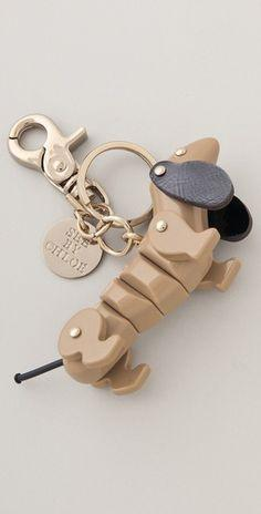 Dachsund keychain! #dachshund #doxie......I need this...will have to see if it comes in other colors!