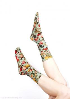 Flower socks, http://www.strathconastockings.com/ #TERRAINsignsofspring: Floral Socks, Socks Floral, Shoes Sock, Floral Prints, Happy Socks, Flower Socks, Socks Flowershop