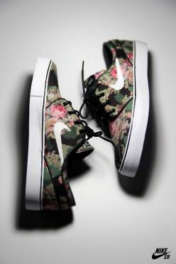 Nikes on nikes on nikes: Fashion, Kick, Style, Floral Nikes, Nike Shoes, Sneakers, Nike Sb, Nike Free