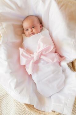 "Sweet Bow Swaddle Blanket, dying of a cuteness over load #TSM @Paula Stange Please @Paula Stange sugar Can you imagine this with ""Legacy"" embroidered on the bow? I'd die.: Babies, Gift, Photo Ideas, Newborn Photo, Baby Girl, Baby Photo"