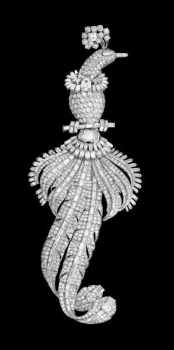 Bird Brooch, Cartier Paris, special order, 1948 Platinum, white gold One emerald-cut diamond of 2.76 carats Two square-cut diamonds of 2.35 and 1.29 carats Respectively 991 baguette-, brilliant- and fancy-cut diamonds weighing 83.89 carats in total The ex