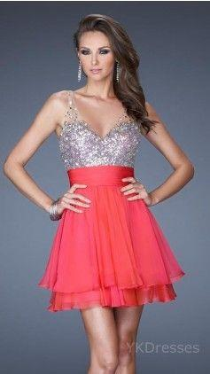 I love this dress!! It's so pretty with all the little sparkles!!! ✨