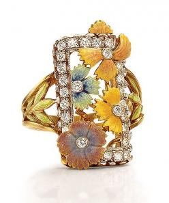 Masriera Flower Ring - 18-karat yellow gold with enameled flowers and leaves, with round brilliant-cut diamond accents. Diamond weight: approximately 0.78 ct.