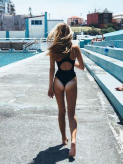 SkinnyMe Tea // Do you want this body? Work towards your bikini body in just 4 weeks with our SkinnyMe Detox Program! Click to get 10% off, use 'Pinterest10' at checkout!: Instagram, Life, Dip, Girl, Tan Lines, Summer, Beach, Tanlines