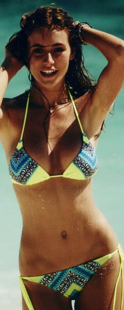 So cute. Wish the bottoms were bigger...kinda skimpy for me.: Bikini Swimsuit, Bathing Suits Bikini, Bright Bikini, Cute Bikini, Hot Bikini