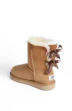 UGG® Australia 'Bailey Bow' Boot. I'm contemplating buying these for my daughter & me next year. My feet are too wimpy for snow.: Gift Press, Snow Boots, Uggs, Picture Link, Christmas Gifts