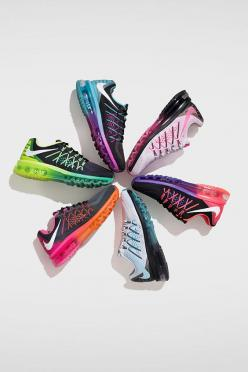 Highlight your run with bright new colors. Shop the ultra flexible Nike Air Max 2015.