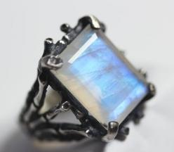 hecate. sterling silver & moonstone persephone bloodmilk ring.